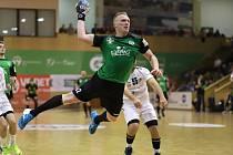 Jan Zbránek (v zeleném) byl v derby vidět.