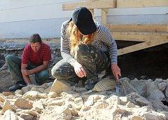 Archeologické práce v centru karvinského Fryštátu přinesly ojedinělé objevy, které zůstanou zachovány i pro širokou veřejnost.