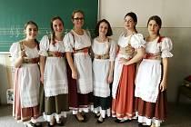 Zcela mimořádného úspěchu dosáhla ZUŠ Bedřicha Smetany z Karviné na Ústředním kole soutěže ZUŠ v Turnově. Zpěváci a zpěvačky soutěžil i sólovém i komorním zpěvu.