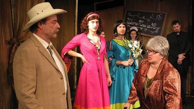 S představením Něžné dámy přijede 25. září do Karviné Velké Divadlo Litvínov.