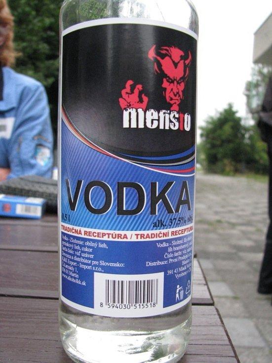 Po vypití alkoholu bylo lidem špatně.