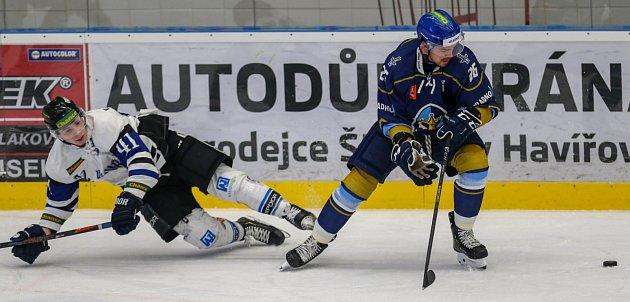 Havířovští hokejisté (vbílém) nestačili na Kladno a dál bojují oplay-off.