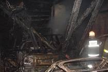 Požár autodílny ve Starém Bohumíně.