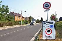 Po Rychvaldské ulici v Bohumíně nesmí jezdit nákladní auta těžší než 12 tun.