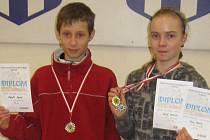 Úspěšní mladí atleti Jäklu David Staněk a Denisa Holá.