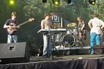 I poslední den festivalu se nese ve znamení rozmanité hudby, fotbálku a pohody u vodní dýmky.