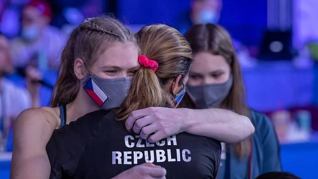 Eliška Adamovská veze z Moskvy dvě medaile.