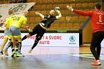 Karvinští házenkáři (v černém Jan Užek) nestačili v úvodním semifinále na Lovosice.