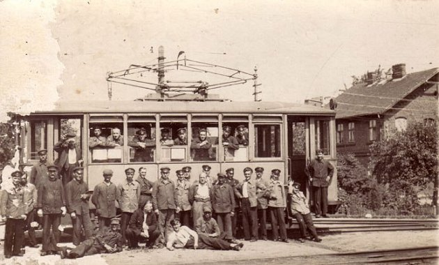Dobový snímek zprovozu tramvají vTěšínech.
