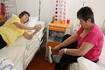 V havířovské nemocnici mají nová polohovací lůžka a noční stolky.