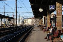 Vlakové nádraží v Českém Těšíně čeká rozsáhlá rekonstrukce. Na více než půl roku bude uzavřen i hlavní podchod pod nádražím.