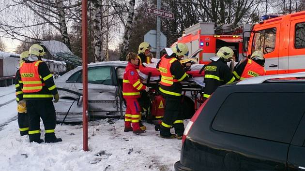 Nehoda dvou osobních vozidel v Havířově-Šumbarku.