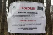 Varování na nebezpečí nákazou Aujeszkyho chorobou.