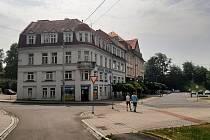Orlová-Město. Náměstí, budova polikliniky.