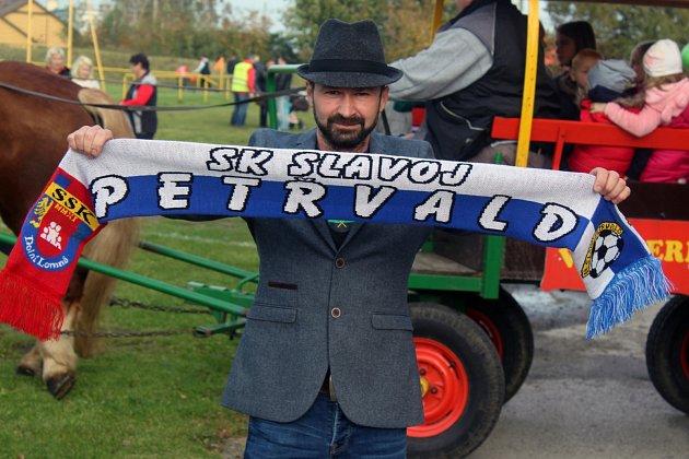 David Pavlita se takto vyšňořil na nedávné petřvaldské derby. Díky němu Slavoj pořád žije.