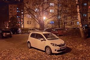 Parkování na sídlištích v Orlové je obrovský problém. Radnice pracuje na nové koncepci parkování a budování parkovacích míst.
