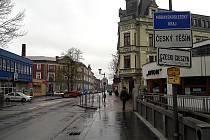 Státní hranice mezi Českým Těšínem a polským Těšínem.