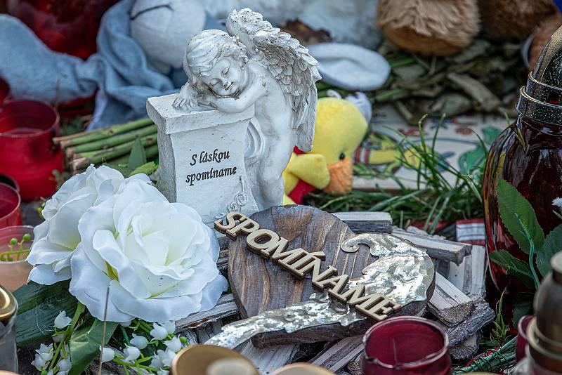 Bohumín, místo tragického požáru, který si vyžádal 11 životů, týden po nešťastné události, 15. srpna 2020.