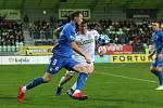 Karvinští fotbalisté (v bílém) zaslouženě porazili Liberec 2:1.