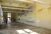 V ZŠ Gorkého řeší na začátku školního roku malér s havárií vody. Vytopená jídelna.
