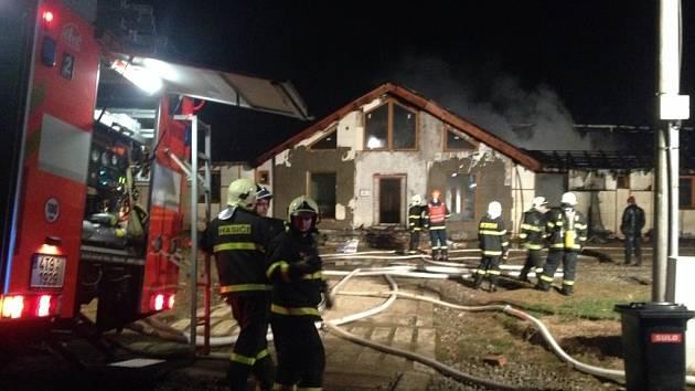 Požár novostavby v Těrlicku-Hradišti.