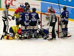 Havířov (v modrém) ve skvělém utkání porazil lídra z Českých Budějovic.