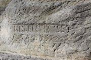 Poznávací procházka Havířovem zaměřená na sochy. Autor horníka u ZŠ Gorkého.