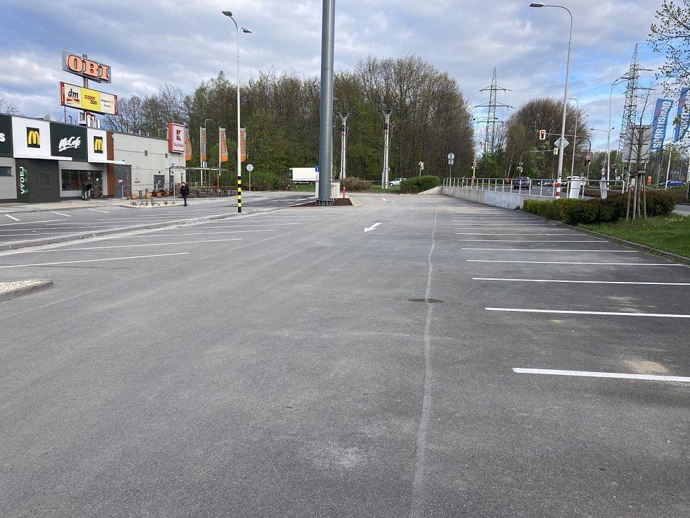 Restaurace McDonald'svHavířově otevře v pátek 7. května dopoledne. Snímky z místa jsou z pátečního rána před otevřením.