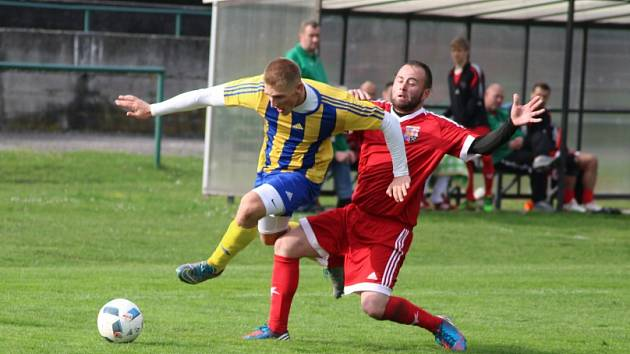 V derby Orlová - Bohumín se radovali hosté (ve žlutém).