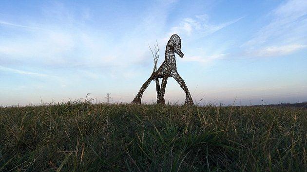 Další proutěná socha, které se jednou za čas znenadání objevují v Karviné, nyní zdobí výjezd z města směrem na Český Těšín.