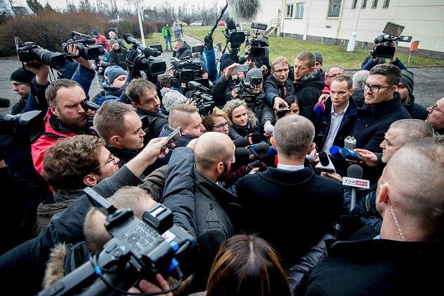 Premiér Andrej Babiš navštívil 21.prosince 2018Důl ČSM na Karvinsku, kde předešlého dne při výbuchu metanu zahynulo třináct horníků, ztoho dvanáct Poláků.