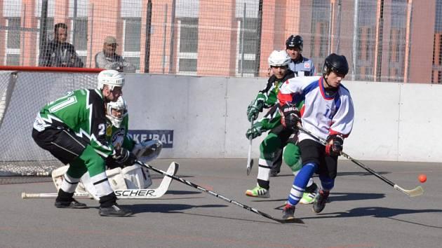 Hokejbalisté Karviné úvodní zápasy v play-off zvládli.