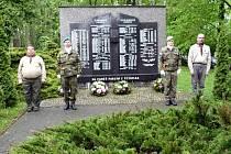 Pietní akt u památníku vojáků padlých za 2. světové války.