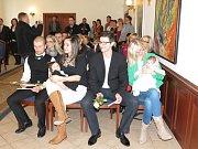 Vpořadí 16. letošní vítání nejmenších občánků města Havířova se konalo vobřadní síni na Zámku.