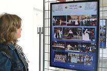 Výstava přibližuje šedesátiletou historii českotěšínského folklorního souboru Slezan.
