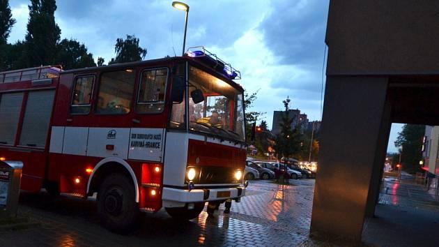 Bouřka s vydatným deštěm zalila sklepy. Zasahovat museli hasiči.
