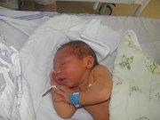 Oliver Winter se narodil 27.července paní Simoně Winterové z Orlové. Po porodu chlapeček vážil 3180 g a měřil 48 cm.