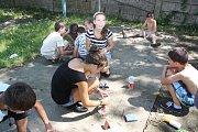 Letní tábor pořádaný dobrovolnickou organizací ADRA v zakarpatském Mukačevě.