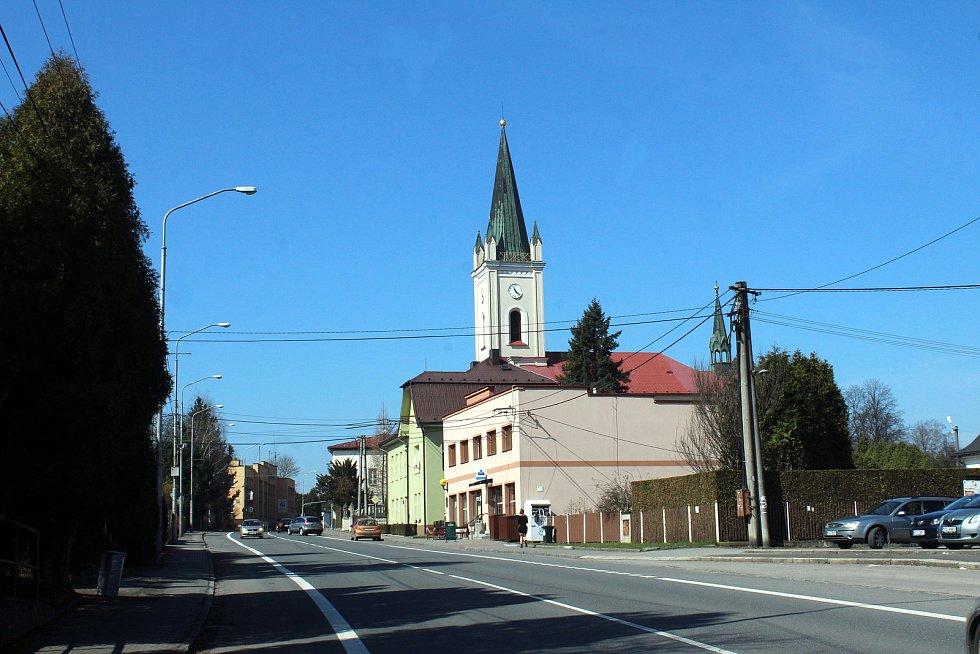 Dětmarovice. Kostel v centru obce.