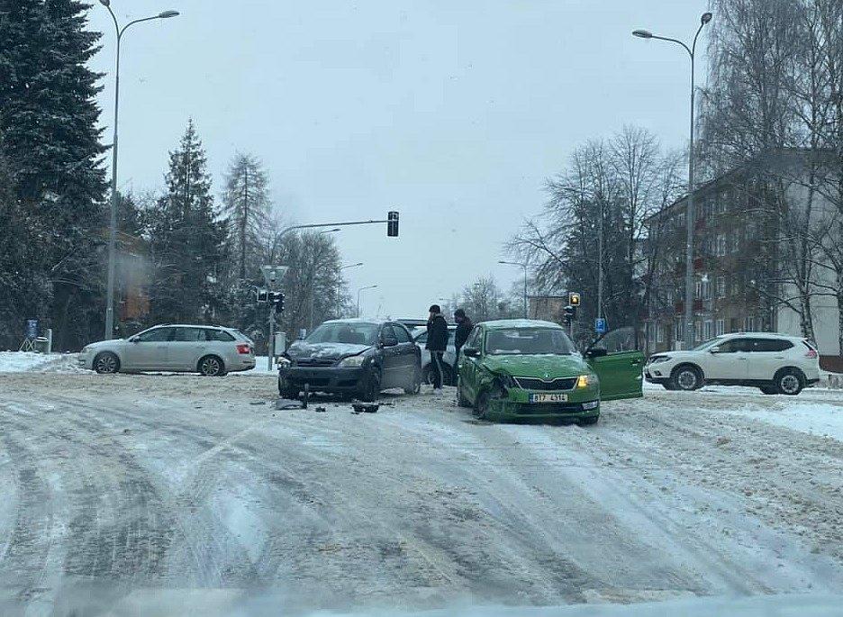 Nehoda v Havířově před Kauflandem.