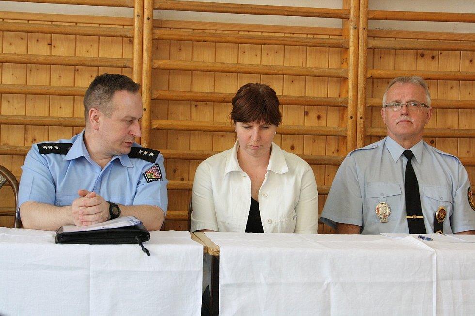 Veřejná schůze vedení města s občany v Prostřední Suché.