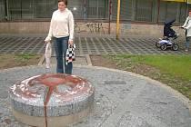 Židovské památky a pietní místa to v Bohumíně nemají jednoduché. Poslední útok vandalů má za sebou pohřebiště. Zneuctěn byl již dříve i památník obětem holocaustu.