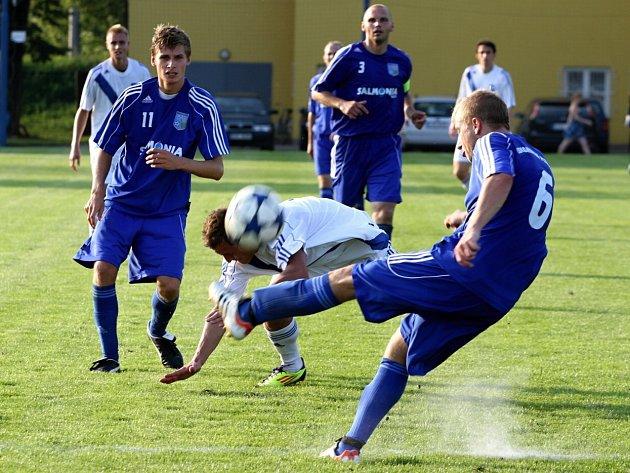 Ztráta. Petrovičtí fotbalisté na úvod divize jen remizovali.