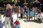 Dětské hřiště v centru Havířova v roce 2002.
