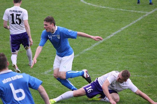 Havířov (vmodrém) zdolal Mohelnici šťastným gólem vzávěru.