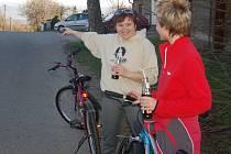 Konečná zastávka Pod zvonek je častým cílem cyklistických výletů. Dále už ale autobusy nejezdí.