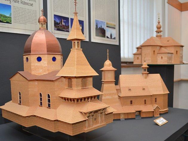 V Technickém muzeu v Petřvaldě probíhá výstava modelů dřevěných kostelů, které se nacházejí na území Těšínského Slezska až po Valašsko.