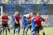 Derby na úvod. Havířov (v modrém) přehrál Bohumín 2:0 a zapsal do divizní tabulky první body.