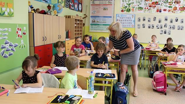 Rodiče školáků logicky chtějí, aby se jejich děti doučily zanedbané učivo.