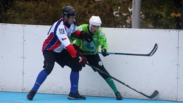 Hokejbalisté Karviné vydřeli doma dva body.